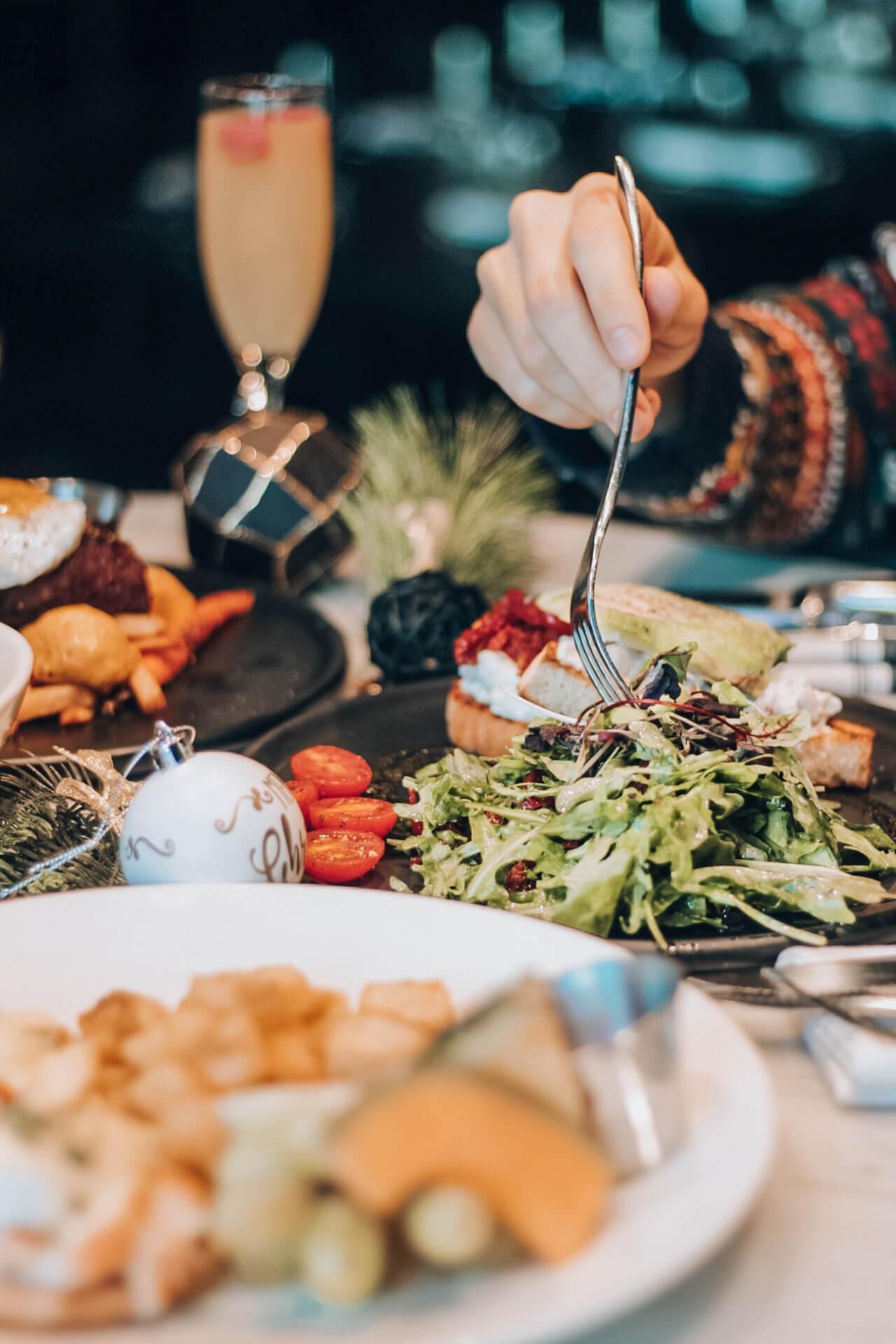 brunch du temps des Fêtes | Maggie Oakes | restaurant Vieux-Montréal